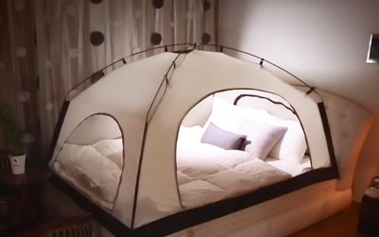 寝室にテント?「ルームインルーム」で快適空間実現で終日ベッドで過ごせる?